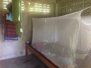 Meu quarto num monastério budista na Tailândia