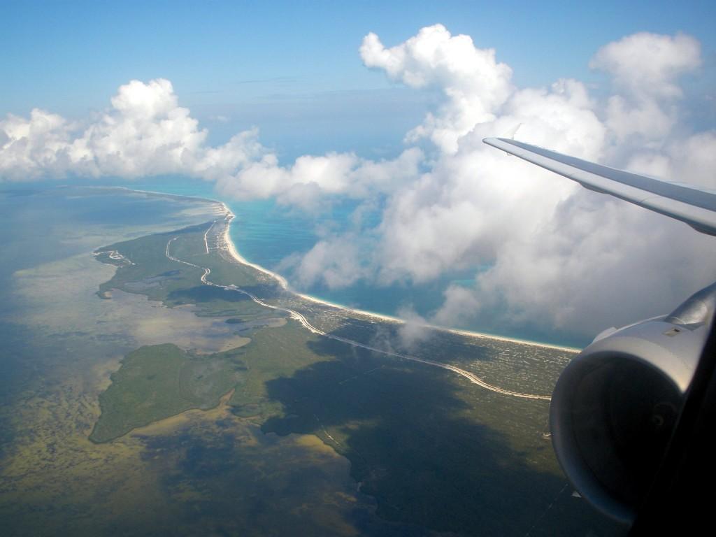 Vista do caribe da janela do avião