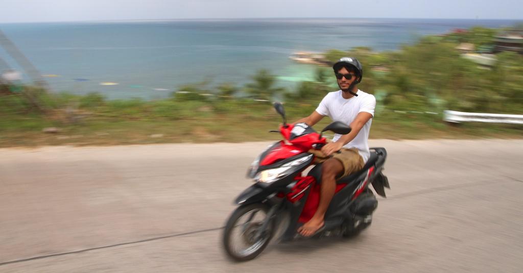 Andando de moto em Ko Phangan, Tailândia
