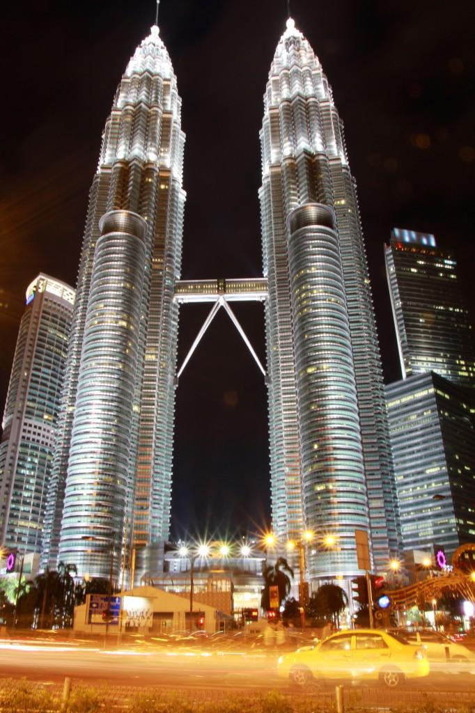 A única imagem que eu tinha da Malásia antes de visitá-la. As maiores torres gêmeas do mundo: Petronas Towers