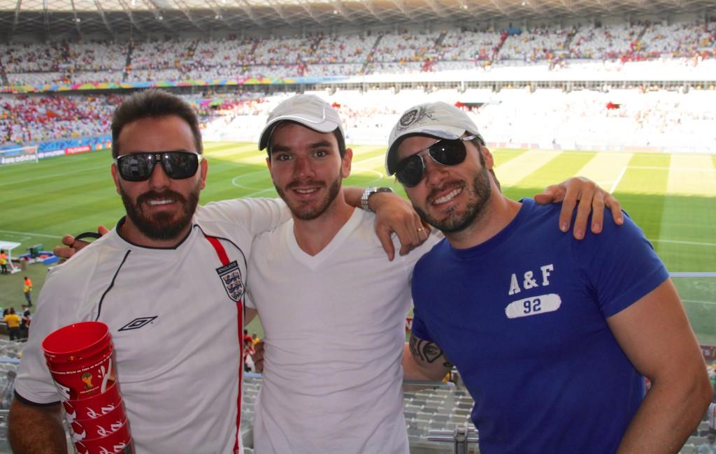 E com meus irmãos acompnhando uma partida da copa do mundo no Mineirão, Belo Horizonte