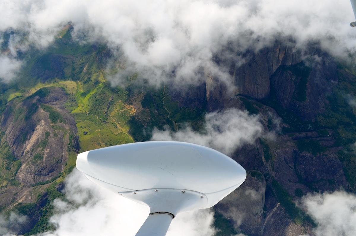 Voando pelas montanhas de Minas Gerais
