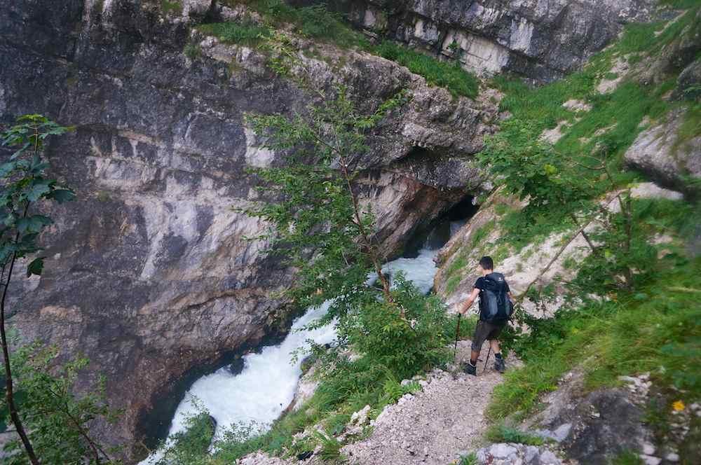 Cachoeira no Parque Nacional de Triglav, Eslovenia